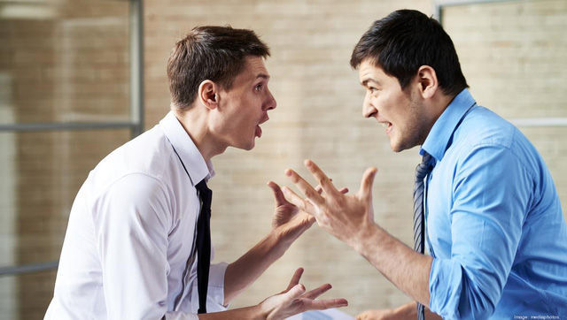 5 kiểu nhân viên luôn là cái gai trong mắt sếp, chăm chỉ đến đâu cũng khó bề thăng tiến nổi: Thời buổi khó khăn càng nên cảnh giác, tránh phạm sai lầm  - Ảnh 1.