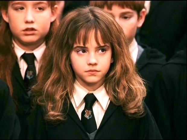 """""""Bóc trần"""" mặt tối dàn sao Harry Potter: Nam chính lợi dụng phim để ngủ với fan, Emma suýt nghỉ quay, 1 người gây sốc vì đi tù 2 năm - Ảnh 5."""