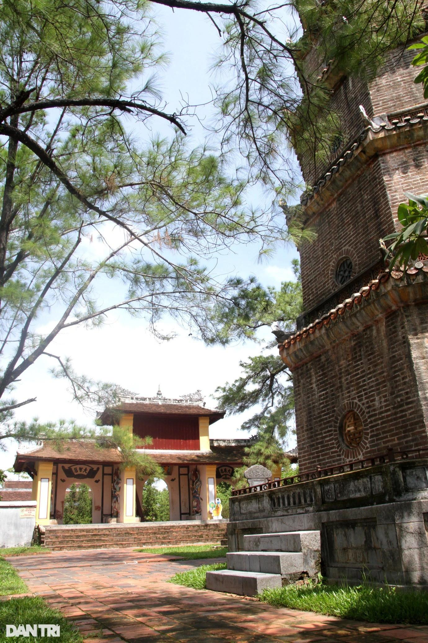 Bí ẩn bức tranh rồng bị che khuất trên cổng chùa Thiên Mụ ở cố đô Huế - 5
