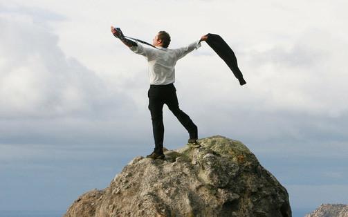 Người tốt số sẽ được 3 thứ chống lưng: Dựa vào núi, ắt núi lở, chỉ có dựa vào bản thân mới nắm giữ vận mệnh