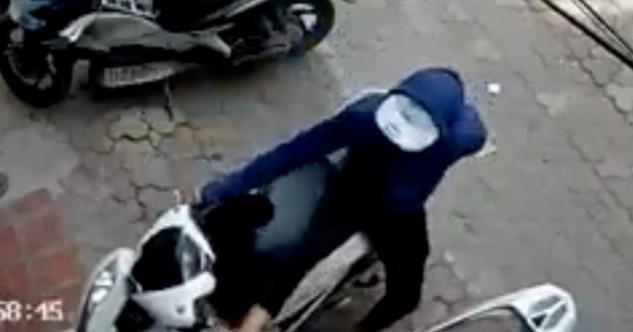 Có smartkey, Honda SH vẫn bị trộm bẻ gãy khóa cổ và lấy đi trong chớp mắt
