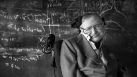 Ra mắt cuốn sách cuối cùng của thiên tài Stephen Hawking tại Việt Nam