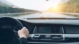 Tuổi teen đáng giá bao nhiêu - Làn đường giữa không dành cho những tay lái chậm hay những tay đua tốc độ