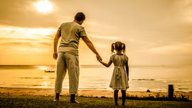 Cha mẹ nghèo thích để con cái làm 2 loại nghề, hậu quả là càng lúc càng nghèo...