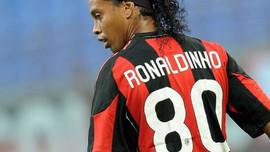 Ronaldinho và các ngôi sao bóng đá quan hệ tình ái với nữ diễn viên phim người lớn